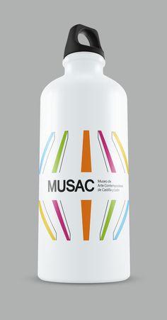 termo realizada para la materia de piezas promocionarles, realizando el grafismo y manejando la identidad ya existente del museo Musac