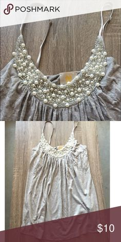✨flash sale!✨ Flowy tank with pearl embellishments Flowy tank with pearl embellishments size small Tops Tank Tops