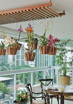 Beautiful & unique! Love this! Indoor Garden & plants / hanging / orchids
