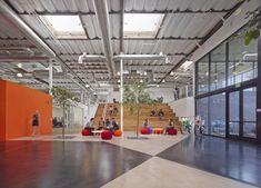 Galeria de Fox Head / Clive Wilkinson Architects - 19