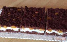 Reszelt sütemény túrós töltelékkel és barackkal | TopReceptek.hu Cupcakes, Tiramisu, Food And Drink, Baking, Madness, Strawberries, Top Recipes, Fruit, Foods