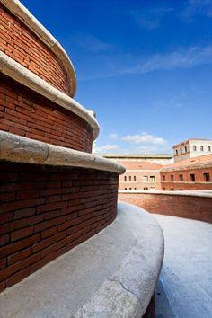 Italian Ways | La Spezia's Post Office Palace