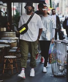 Street Style at PFW by Shannon Flanders. Mode Streetwear, Streetwear Fashion, Men Street, Street Wear, Urban Fashion, Mens Fashion, Aesthetic Fashion, Boho Fashion, Winter Fashion