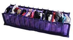 Organizador de meias e calcinhas, tamanho grande com 12 divisórias, feito de tnt roxo e divisórias de plástico. Perfeito para colocar suas calcinhas e meias na gaveta, deixando-as separadinhas e organizadas! Super prático! *valor referente a 1 unidade *confira as medidas! R$ 29,90