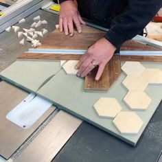 Woodworking Techniques, Easy Woodworking Projects, Woodworking Furniture, Diy Wood Projects, Woodworking Tools, Wood Furniture, Woodworking Beginner, Furniture Projects, Woodworking Jigs