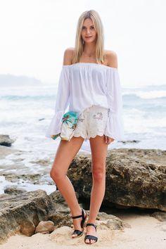 Melissa_Findley-Tuula-Hawaii_White-2