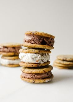Chocolate Chip Cookie Ice Cream Sandwiches by Wood and spoon blog. These are chewy chocolate chunk cookies makes with a sprinkle of salt and chopped chocolate. They stay soft and chewy, even when frozen, which make these the best homemade ice cream sandwiches! Make these treats for summer, pool, bbq parties, and more! Find the recipe and how to at thewoodandspoon.com
