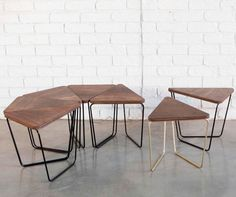 The Fractal Modular Table by Sarah Gibson and Nicholas Karlovasitis of Design By Them is a modular setting, using pattern and repetition. Origami Furniture, Modular Furniture, Cool Furniture, Furniture Design, Kitchen Counter Chairs, Small Chair For Bedroom, Modular Table, Patterned Furniture, Restaurant Tables And Chairs