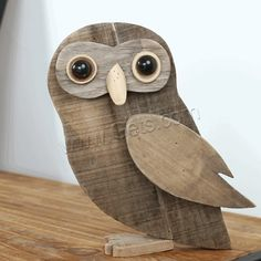 Vintage Wooden Animal Decorations Recycled ArtWood & Organic - New Craft ideas Wood Animal, Animal Decor, Wooden Projects, Wooden Crafts, Wooden Decor, Art Projects, Wooden Bird, Oster Dekor, Wood Owls