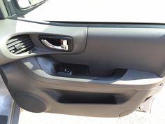 """http://www.fvauto.it Vettura in OTTIME CONDIZIONI, interni perfetti, pneumatici invernali 70%, tagliando appena effettuato, cinghia distribuzione e frizione nuove, radio cd, cerchi in lega da 16"""", climatizzatore manuale, 4 vetri elettrici, sedile posteriore sdoppiato, specchietti elettrici, gancio traino (massa rimorchiabile 1.870 kg). VETTURA NO FUMATORI. Si valutano permute. http://www.fvauto.it"""