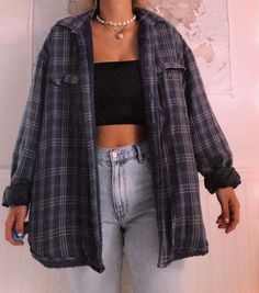 Freund Karohemd Tomboy Outfit Idee- Source by carolinnjg outfits ideas # tomboy outfits Cute Casual Outfits, Retro Outfits, Mode Outfits, Cute Vintage Outfits, Trendy Winter Outfits, 90s Style Outfits, Winter School Outfits, 90s Inspired Outfits, 90s Clothing Style