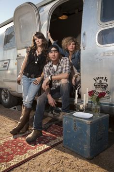 Dierks Bentley's Airstream Trailer, l-r The Junk Gypsies, Jolie and Amie Sikes, with Dierks Bentley outside of his airsteam trailer.  Photo by Sarah Wilson/Getty Images. © 2011, HGTV/Scripps Networks, LLC. All Rights Reserved.   Dierks Bentley's Official GACTV.com Photo Gallery >>  For more on HGTV's Junk Gypsies,
