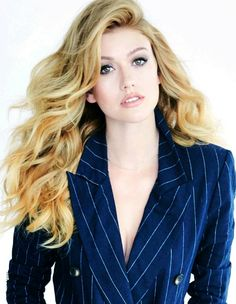 Blonde Celebrities, Cute Celebrities, Celebs, Celebrity Moms, Celebrity Pictures, Hot Actresses, Beautiful Actresses, Celebrity Hairstyles, Cool Hairstyles