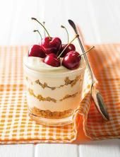 Picture Trifle Desserts, Cheesecake Recipes, Easy Desserts, Delicious Desserts, Dessert Recipes, Yummy Food, Dessert Shooters, Kos, Gallette Recipe