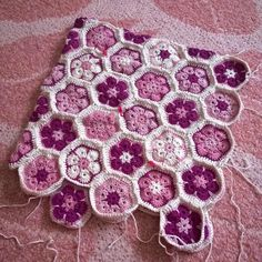 When life sux make flowers. I dug up my #africanflowerhexagon s from five or so years ago. Originally I was going to cover a lamp shade but I didn't find a suitable lamp. Then it was going to be a purse but then I discovered that geometry is a bch and bites. Now after all these years I'm going to make a pillow case even though geometry bit me again. #dropssafran #crochet #africanflowers #crochetpillow #crocheing #instacrochet #crochetersofinstagram #crochet #hooked #hook #instacrochet…