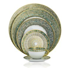 "No name is more symbolic of fine china than Robt. Haviland of Limoges...""Syracuse"""