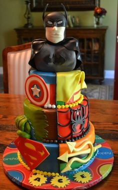 SUPER HERO CAKE!! ... But does it bother anyone else that they've mixed DC and Marvel? I feel like some sneaky mom did this and didn't know the difference?