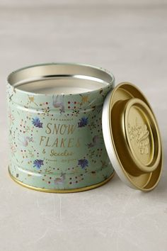 Snowflora Soy Candle | Pinned by topista.com