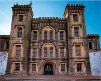 Old City Jail of Charleston is a stop on ghost tour that is included w/prize pkg in free trip to most haunted city in US. To enter contest, www.terrancezepke.com #charleston #travel #terrancetweetstravel