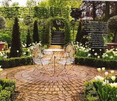 Love small scale formal gardens (or parts of gardens) like this one.
