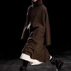 @celine @oldceline fall rtw 2010 Brown Fashion, Autumn Fashion, Fall Winter Spring Summer, Fall Outfits, Fashion Outfits, Runway Fashion, Women's Fashion, Yohji Yamamoto, Celine