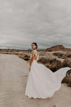 ae32a2ec33d Eleonore Pauc - Robes de mariée - Collection 2019 - Photos   Yoris  Photographe - Blog mariage   La mariée aux pieds nus - la mariee aux pieds  nus