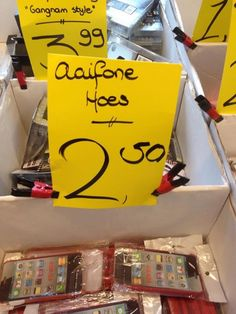 Aaifone hoes - Taalvoutjes