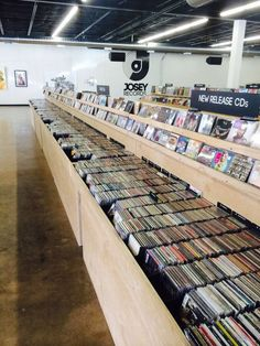 Josey Records in Dallas, Texas. | http://www.vinylhunt.com/stores/2034