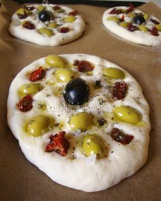 So bereiten Sie die Focaccia zu – Daring Baker des Monats April - pizza Italian Appetizers, Appetizer Recipes, Pizza Recipes, Cooking Recipes, Plats Ramadan, Lava, Food Facts, Kitchen Recipes, Food Design