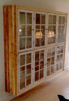 Cabinet made from old windows. Home Decor Styles, Cheap Home Decor, Home Decor Accessories, Window Furniture, Diy Furniture, Furniture Makeover, Old Windows, Diy Cabinets, Home Living