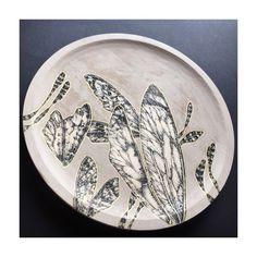 Overdose plate decoration -pine wood illustrated 24cm