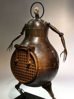 Greg Brotherton is an sculptor currently living in Los Angeles. Greg received a degree in graphic design and worked as commercial artist . Arte Robot, Robot Art, Sculpture Art, Sculptures, Found Object Art, Garage Art, Assemblage Art, Recycled Art, Retro Futurism