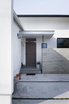 玄関(方形屋根のいえ) - 玄関事例|SUVACO(スバコ)