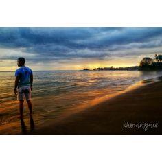 Senja diantara Pura Batu Bolong dan Bukit Malimbu.  Seorang teman pernah ke bilang ke saya, photo yang bagus yang akan ditanyakan orang adalah, siapa yang ambil, bukan siapa modelnya. . . . . #senggigi #senggigibeach #lombok #lombokisland #ntb #nusatenggarabarat #explorelombok #indonesia #likeforlike #photograph #travelphotography #like4like #photo #traveling #jalanjalan #travel #holiday #sunset #purabatubolong  #bukitmalimbu #pantai #senja #matahariterbenam #pentaxk30 #pentaxgram