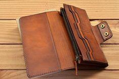 Leather Wallet Pattern, Leather Card Wallet, Handmade Leather Wallet, Leather Gifts, Leather Craft, Leather Purses, Leather Handbags, Tandy Leather, Handmade Wallets