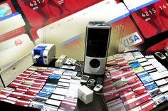 Antinarcóticos allana casa y ocupa equipos para clonar tarjetas de crédito. http://www.audienciaelectronica.net/2015/02/12/antinarcoticos-allana-casa-y-ocupa-equipos-para-clonar-tarjetas-de-credito/