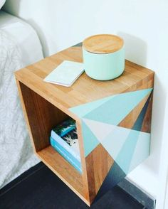 33 Simply Brilliant Cheap DIY Nightstand Ideas and inspiration for making your o… - DIY Möbel Furniture Makeover, Home Furniture, Furniture Design, Furniture Ideas, Furniture Stores, Luxury Furniture, Trendy Furniture, Inexpensive Furniture, Furniture Websites