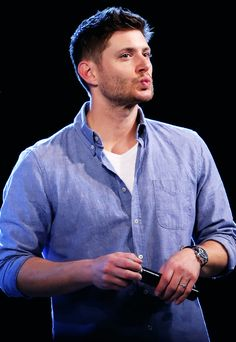 "Kisses from Rome ""SIGHS"" OHHH Jensen at Jibcon 2014 #JIBcon14 #JIBcon2014 #Jensen"