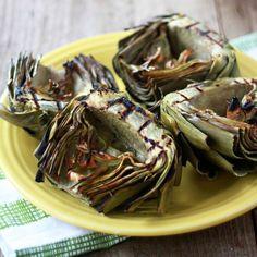 Grilled Artichokes With Roasted Garlic Olive Oil Dip via @ohmyveggies #recipes #veggies #artichokes #garlic #oliveoil