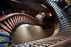 Dundurn Castle Hamilton Ontario (by FulsomPrisonBlues) Grand Stairway, Stairway To Heaven, Hamilton Ontario Canada, Winding Stair, Canada North, Floating Staircase, Take The Stairs, Local Attractions, Largest Countries