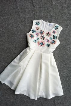 Sleeveless Nail bead Pressure pleated dress JW060302
