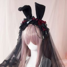 Good+quality,+new+Lolita+Headpice.+ Brand:+Mu+Fish Color:+Black+with+Red As+shown+in+the+pictures. Lolita Makeup, Lolita Hair, Gothic Lolita Dress, Gothic Lolita Fashion, Lolita Shoes, Lolita Style, Pelo Lolita, Estilo Lolita, Kawaii Hairstyles