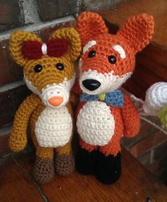 Foxes In Love By Liz H. - Free Crochet Pattern - .(hooksandhabits.wordpress) https://hooksandhabits.wordpress.com/2015/02/01/foxes-in-love-free-pattern/