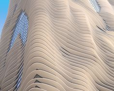 New Water Tower (Aqua Tower) - Chicago. Its height of 250 meters, is a unique sculptural facade of a building, creating the illusion of waves. Organic Architecture, Futuristic Architecture, Amazing Architecture, Architecture Details, Green Architecture, Modern Skyscrapers, Tower Building, Parametric Design, Amazing Buildings