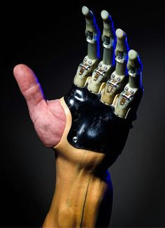 Touch Bionics Announced To Release New Prosthetic Fingers Technology - Prosthetic fingers or arms fulfill the lack of real fingers or arms. Touch Bionics is a worldwide provider of prosthetic fingers or arms. The company& prosthetic devices are know Medical Technology, Wearable Technology, Technology Gadgets, Tech Gadgets, Science And Technology, Technology Design, Prosthetic Fingers, Prosthetic Device, Smartphone