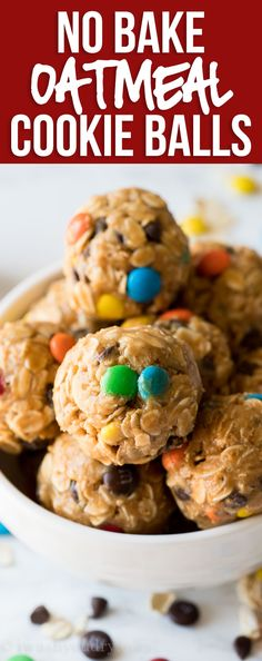 These No Bake Peanut Butter Oatmeal Cookie Balls are a quick and easy treat that are loaded with chocolate chips and m&m's! snacks no bake No Bake Peanut Butter Oatmeal Cookie Balls Recipe Easy Cookie Recipes, Good Healthy Recipes, Dessert Recipes, Eat Healthy, Peanut Butter Oatmeal, Peanut Butter Cookies, Def Not, No Bake Treats, Oatmeal Cookies