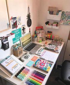 O cantinho dos meus sonhos ❤ desk organization in 2019 орган Study Room Decor, Cute Room Decor, Bedroom Decor, Study Desk, Study Space, My Room, Dorm Room, Desk Inspiration, Desk Organization