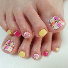 #ネイル#ネイルアート#ジェルネイル#フット#フットネイル#フラワーネイル#夏ネイル#nail #nailart #girls #fashion #foot