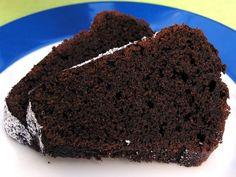 Mit meinen Rezepten bin ich immer wieder mal am testen und ändern. Mein Ziel war diesmal ein Schokoladenkuchen, der schön feucht ist und bl...