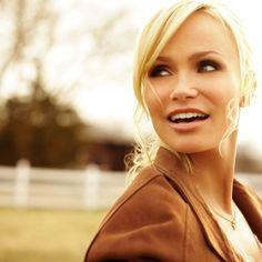 Love this portrait of Kristin Chenoweth